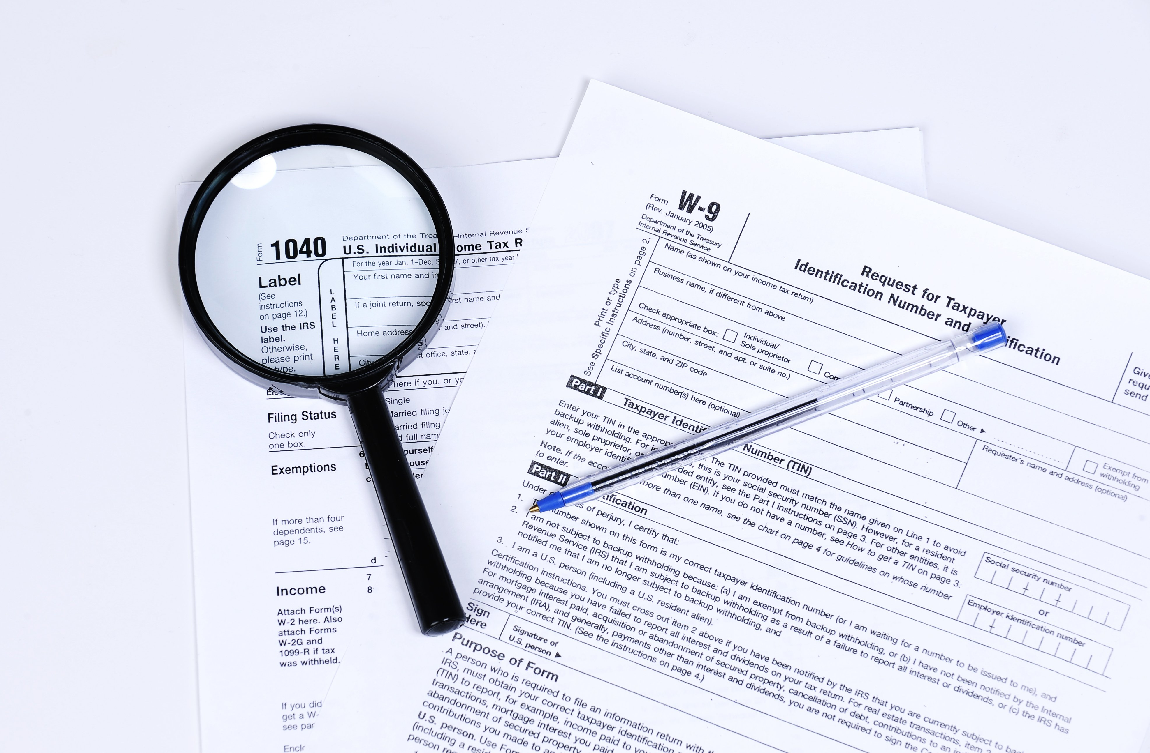 w-9 and 1040 tax form images